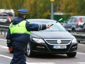 Инспектора дпс имеет право тормозить машину без причины