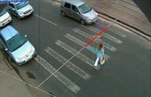Камера на пешеходном переходе